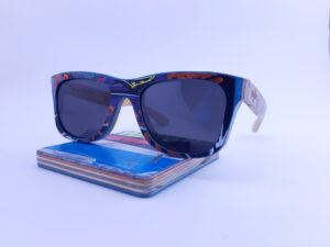 Recycled Wooden Skateboard Sunglasses (Blue and red)