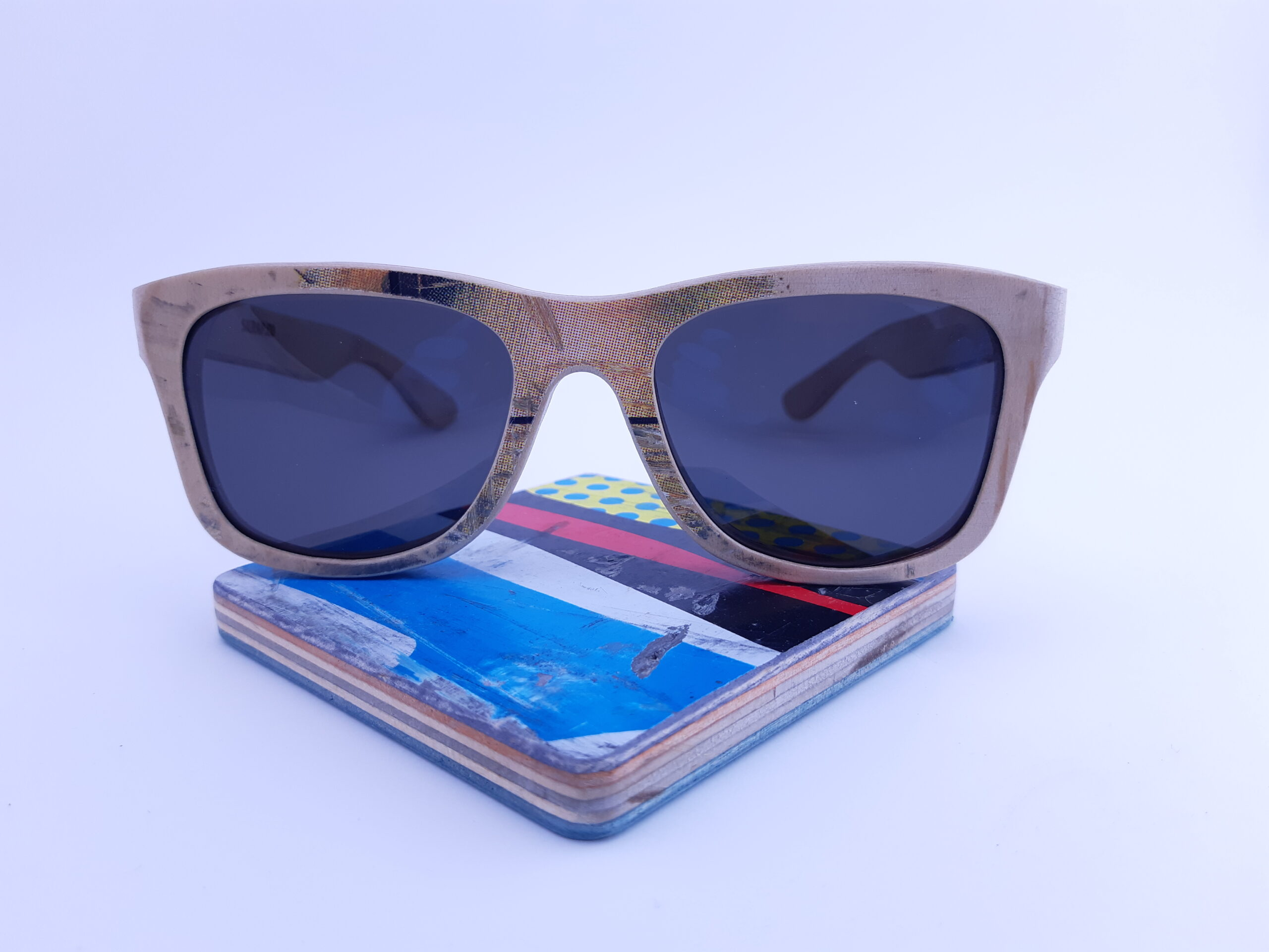 Recycled Wooden Skateboard Sunglasses (Natural and Red, White, Blue Temples)