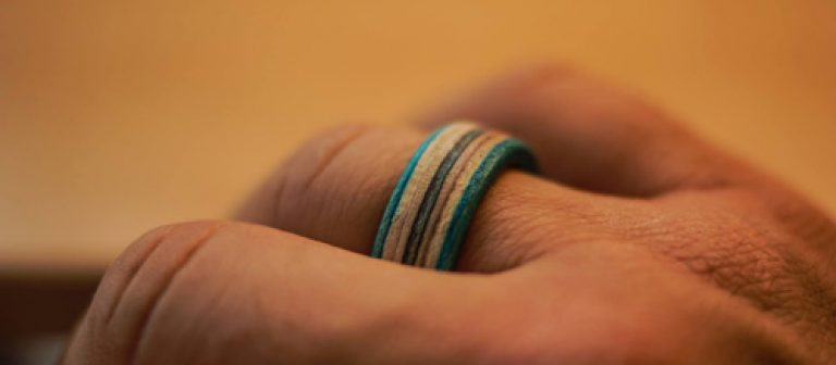 Wooden Rings - Recycled skateboards